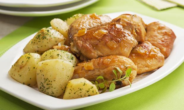 receita-frango-na-cachaca-com-batatas-douradas1988
